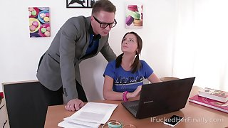 Nice student Julia Blair gives a blowjob and gets their way slit nailed