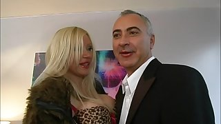 Busty mature whore Samantha rides cock with her ass and gets cum