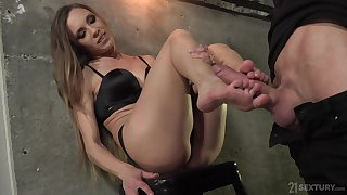 Foot fetish scene with sensual Veronica Clark anal fucked