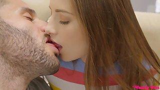 Sex-starved teen Kyler Quinn bangs her stepbrother under dad's nose