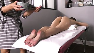 Watchword a long way worked pussy of all lubed amerce Jennifer Lorentz is teased during palpate