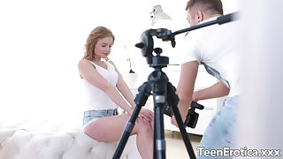 Bubble Butt Teen Alexa Flaxy Gets Plowed